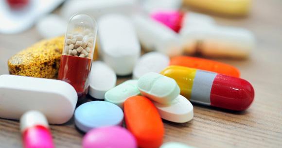 as 612001064418629 - Fiocruz fabricará remédios contra HIV e hepatite C para ofertar no SUS
