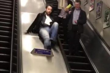 Homens bêbados caem nos trilhos do metrô de Londres e quase são atropelados