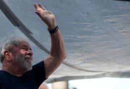 Em carta ao PT, Lula se diz feliz com pesquisa e que quer liberdade