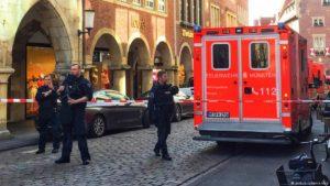 policiaiss ambulancia alemanha 300x169 - VEJA VÍDEO: Ataque terrorista deixa mortos e feridos na Alemanha