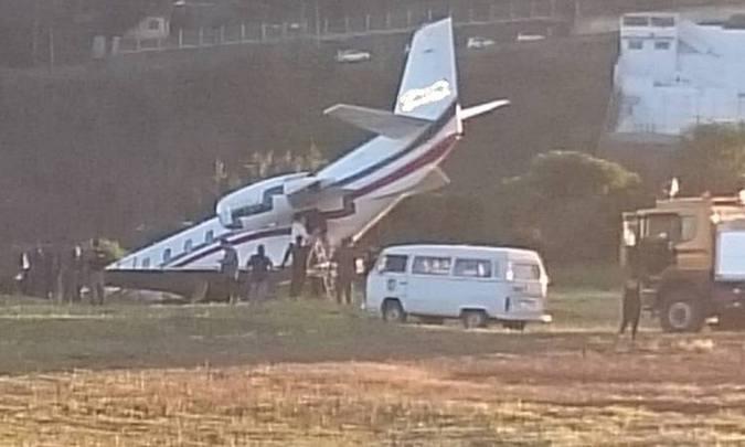 Avião com DJ Alok perde controle em decolagem e sai da pista