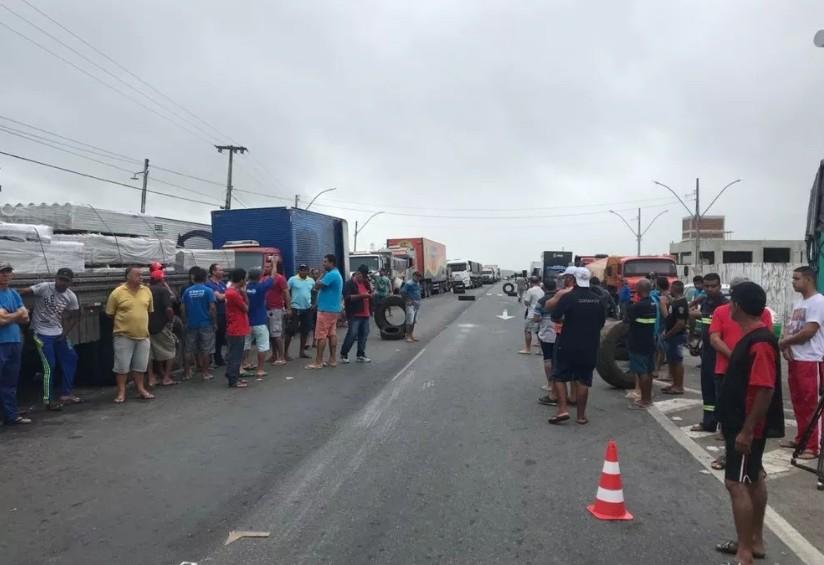 """Capturar 36 - Presidente do Sindicato dos caminhoneiros na Paraíba diz que Temer acaba de decretar 'guerra civil': """"O que vier a gente vai enfrentar"""""""