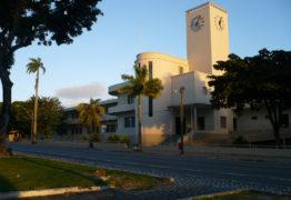 Escolas estaduais e municipais terão aula nesta segunda-feira