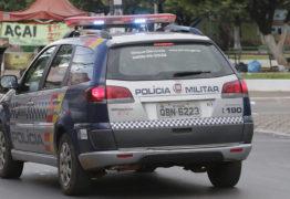 Jovens são presos tentando pagar prostitutas com notas falsas
