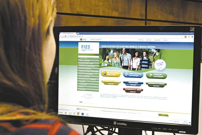 fies - MEC diz que vai reduzir número de vagas do Fies a partir de 2021