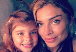 """Grazi Massafera posta foto com Sofia e ganha elogio de Mariana Goldfarb: """"lindas"""""""