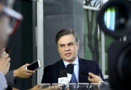 Cássio Cunha Lima sugere demissão de presidente da Petrobras