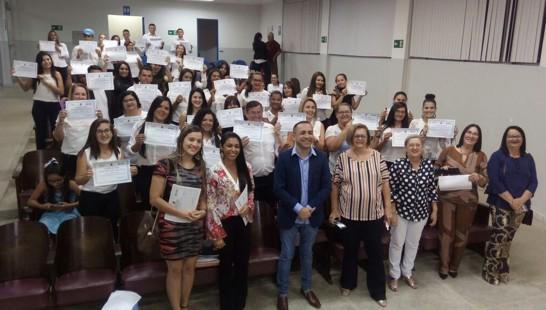 Resultado de imagem para Governo entrega certificados de 1.600 estudantes do Pronatec na Paraíba