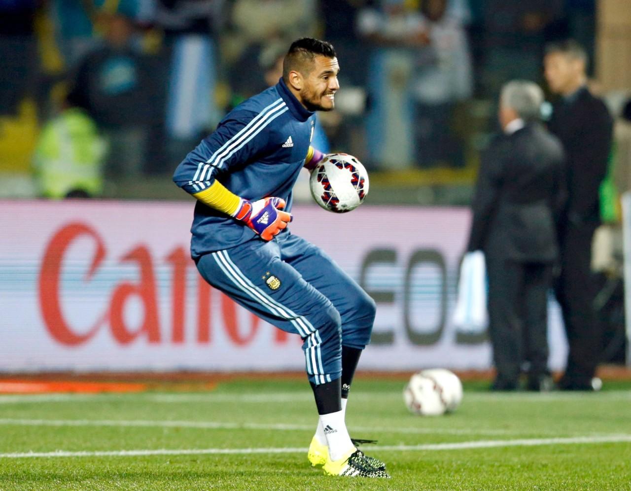 sergio romero goleiro argentina - Sergio Romero sofre lesão no joelho e está fora da Copa; Guzmán é convocado