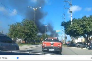 CAOS- Pneus queimados e filas de caminhões em João Pessoa
