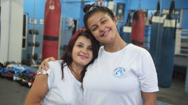 Com o pai muito violento, jovem aprendeu artes marciais para defender sua mãe