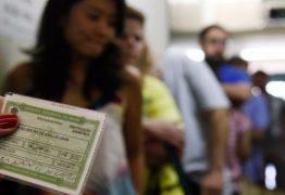 Maioria entre indecisos, mulheres de menor renda podem definir eleição presidencial
