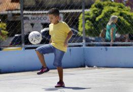 Menino paraibano vai entrar em campo com a Seleção Brasileira no jogo de sexta na Copa do Mundo