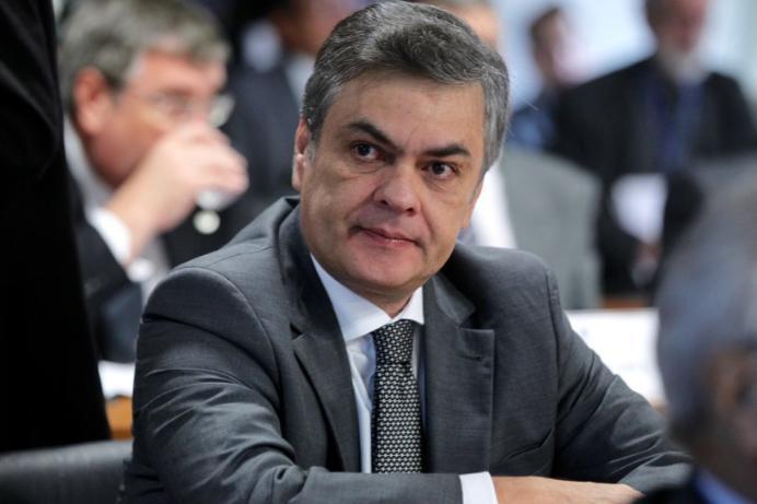 Cassio Cunha Lima - Pesquisa mostra Cássio como preferido do eleitor para o Senado Federal
