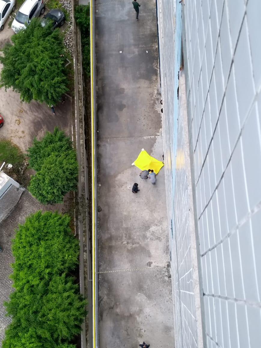 WhatsApp Image 2018 06 11 at 8.46.57 AM - TRAGÉDIA: Rapaz cai do décimo andar de faculdade em João Pessoa - VEJA VÍDEO
