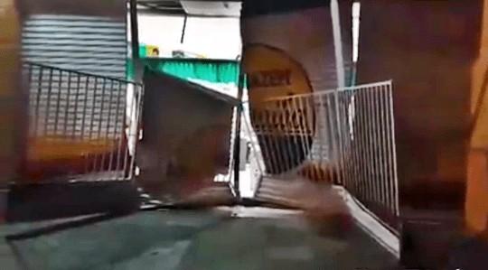 arm - Grupo arromba loja de departamentos na madrugada desta quinta-feira em Lagoa Seca
