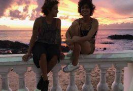 No Dia dos Namorados, Nanda Costa assume namoro com Lan Lanh