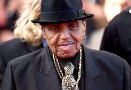 Pai de Michael Jackson morre aos 89 anos