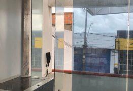 Homens invadem loja e levam mais de R$ 100 mil, em Campina Grande