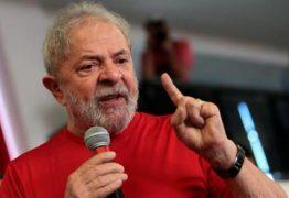 Defesa de Lula reúne resultados passados para manter candidatura de Lula no TSE