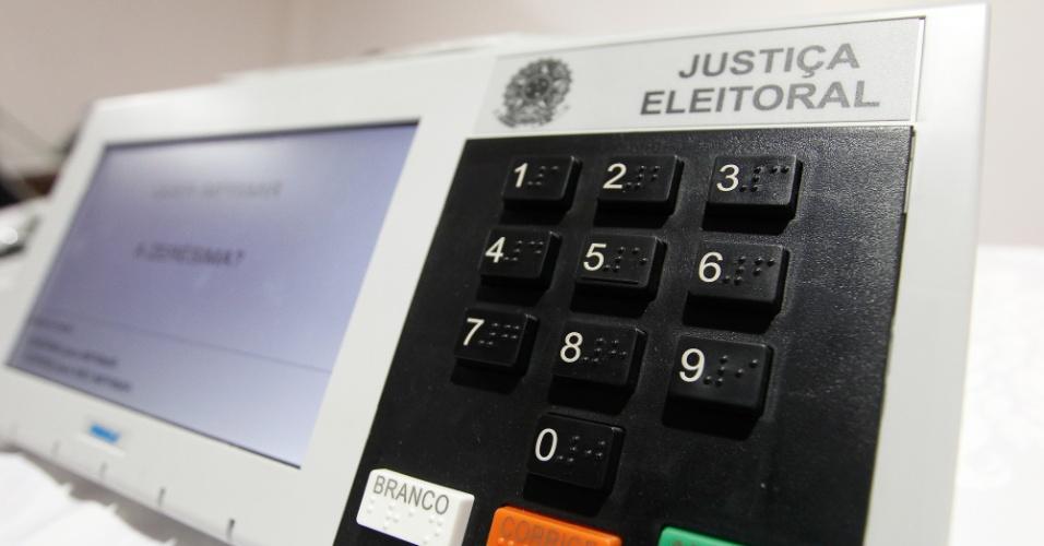 urna eletronica eleicao eleitoral votacao sufragio pleito candidato campanha eleitoral 1467415371501 956x500 - Brasil tem 308 cidades com mais eleitores do que habitantes; só na Paraíba são 16 – CONFIRA