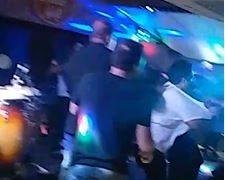 VEJA VÍDEO: festa termina em briga em bar na orla de João Pessoa