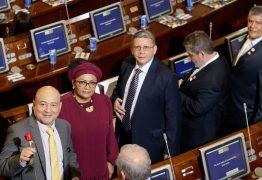 Ex-guerrilheiros das Farc assumem cadeiras no Congresso colombiano