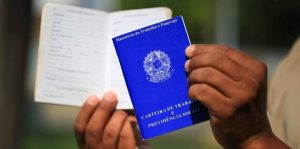 carteiras de trabalho poderao ser emitidas em agencias dos correios 300x149 - HÁ VAGAS: Confira as oportunidades de emprego desta semana; 76 vagas