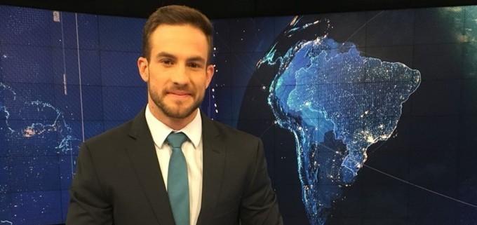 daniel adjuto bancada sbt brasil free big fixed large - 'Repórter gato' do SBT vira queridinho de Silvio Santos e pode ganhar programa