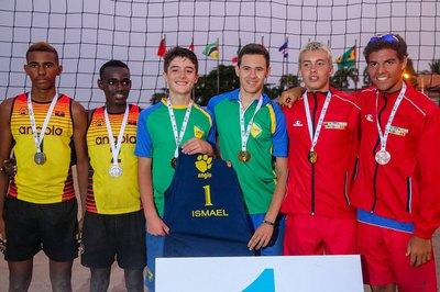 dupla volei 1 - Paraibano ganha medalha de ouro em competição de vôlei na África