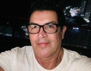Beto Barbosa 2 300x235 - Beto Barbosa sobre luta contra câncer: 'Tinha 20% de chances de viver'