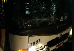 Ônibus levando estudantes se envolve em acidente com kombi, na BR-101