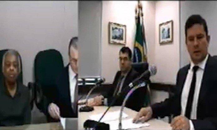 a5b5f092cad851195bc4db58a718cbef - Ouvido por Moro, Gilberto Gil afirma que nunca soube de ilícitos do ex-presidente Lula - VEJA VÍDEO!