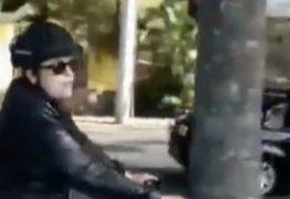 VEJA VÍDEO: Dilma Rousseff sai para pedalar e acaba recebendo uma surpresa