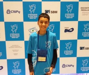 ouro obmep 1 300x252 - Aluno da rede estadual da PB ganha ouro na Olimpíada Brasileira de Matemática