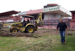 Campinense inicia obras para a troca do gramado do Estádio Renatão