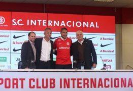 Guerrero é apresentado pelo Inter e agradece por recepção calorosa: 'Não tem preço'