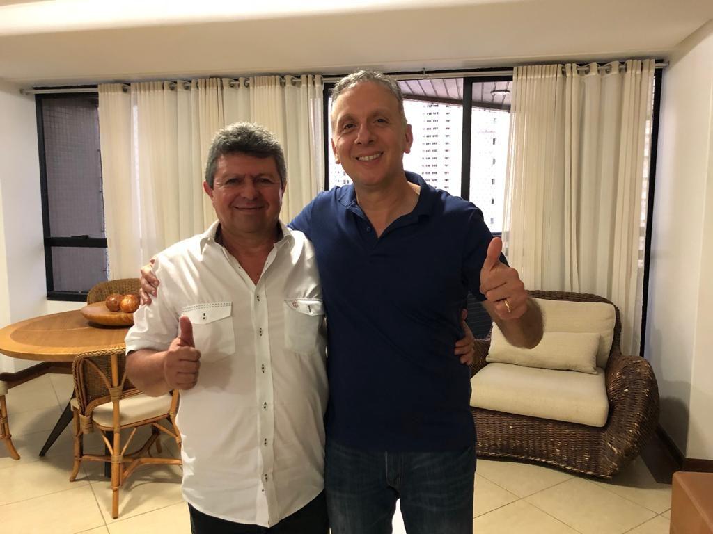 2482cc86 1972 45c7 a48c b39f78457856 1024x768 - Ex-prefeito de Gurinhém é mais um a abraçar reeleição de Aguinaldo Ribeiro para deputado federal