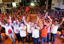A duas semanas da eleição, Doda de Tião comanda comício histórico em Queimadas com presenças de João, Vené, Couto e Wilson Santiago