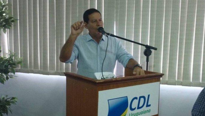 Mourão vice de Bolsonaro 683x388 - VEJA VÍDEO: vice de Bolsonaro critica 13º salário e férias: 'Jabuticabas brasileiras'