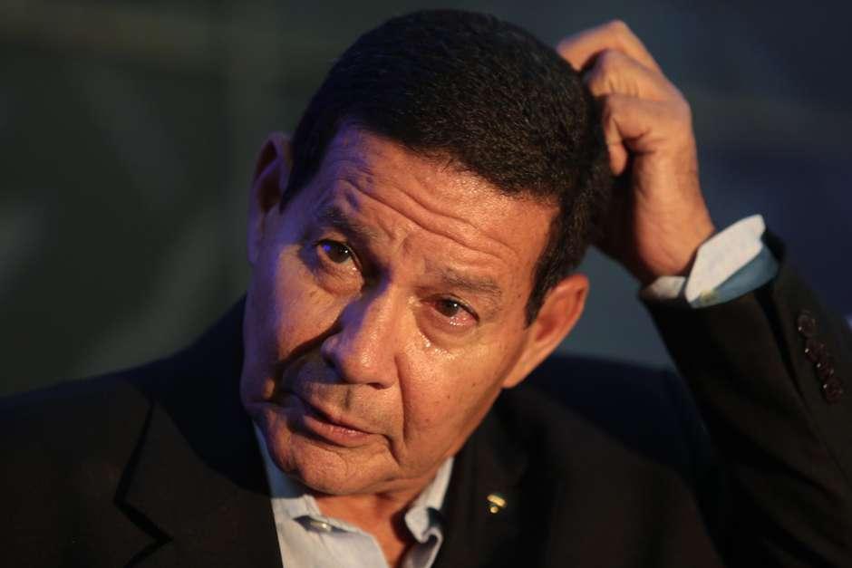 Mourão - General Mourão critica ação de Juan Guaidó para tirar Nicolás Maduro do poder
