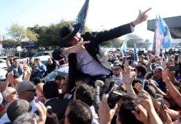 Bolsonaro lamenta agressões, mas diz não controlar apoiadores