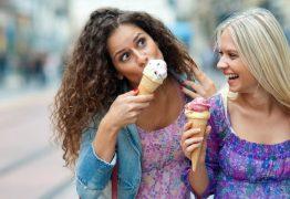 Cidade dá cerveja e sorvete para quem usa bicicletas e transporte público