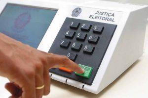 """Urna eleitoral 1 300x200 - O """"Efeito Tiririca"""" e a importância da votação para deputado"""