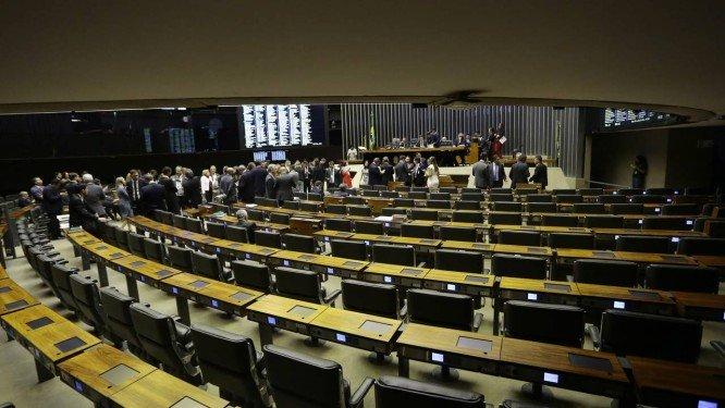congresso - Senador e deputados eleitos cautelosos com votação de reformas