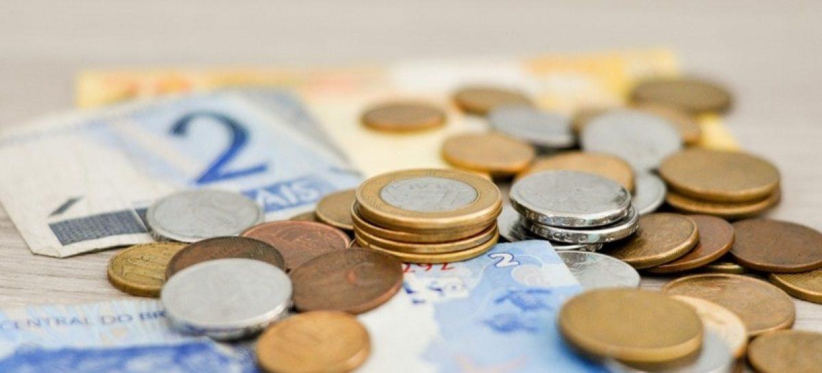 money 1632055 1920 min 1200x545 c - Trabalhadores nascidos em outubro já podem sacar o PIS a partir de hoje