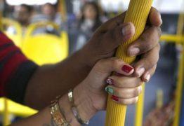 Homem é preso suspeito de importunação sexual dentro do ônibus em João Pessoa