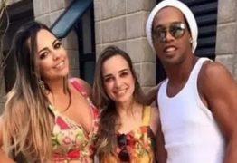 Ronaldinho Gaúcho termina relacionamento duplo com noivas