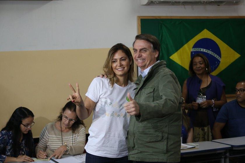 """Bolsochele - Michelle Bolsonaro diz que rótulos de marido vão cair: """"Um príncipe"""""""
