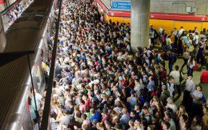 Metrô 300x188 - Homem é condenado a três anos de prisão por ejacular em passageira no Metrô de SP